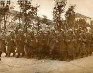 Нисон Капелюш. Парад 322 стрелковой дивизии перед уходом на фронт. 1941 г.